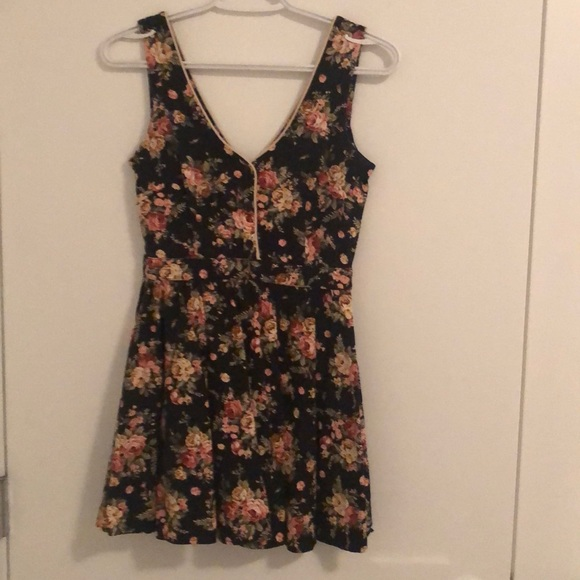Sweet floral UO mini dress